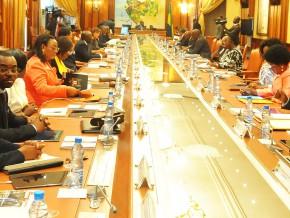 deux-projets-de-loi-adoptés-pour-permettre-à-gabon-telecoms-et-airtel-gabon-d'acquérir-une-licence-technologiquement-neutre
