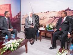 la-securite-et-l-investissement-au-coeur-de-l-activite-diplomatique-de-julien-nkoghe-bekale-a-assouan-en-egypte