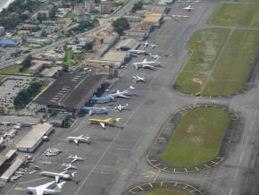les-chaussées-aéronautiques-de-l'aéroport-international-léon-mba-de-libreville-reçoivent-une-cure-de-jouvence