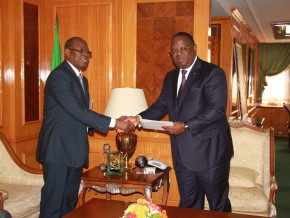 issoze-ngondet-reçoit-le-ministre-des-transports-congolais