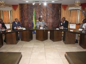 la-commission-ad-hoc-de-suivi-évaluation-des-actes-du-dialogue-politique-rappelle-l'urgence-de-la-mise-en-œuvre-des-actes-desdites-assises