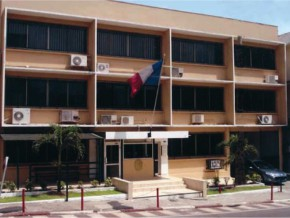 la-représentation-diplomatique-française-au-gabon-suspend-le-notariat-consulaire