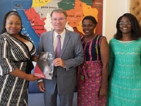 le-réseau-des-femmes-africaines-énarques-présenté-à-l'ambassadeur-de-france-au-gabon