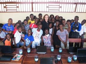 sylvia-bongo-ondimba-réceptionne-les-travaux-de-réfection-d'une-école-publique-à-libreville