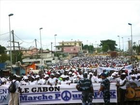 les-femmes-gabonaises-marchent-pour-la-paix-à-libreville