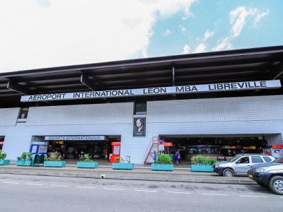 libreville-un-bureau-d-information-installe-a-l-aeroport-pour-renseigner-les-touristes