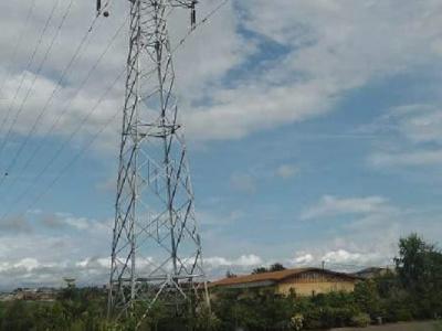 la-banque-mondiale-finance-a-hauteur-de-5-7-milliards-fcfa-l-electrification-de-33-villages-dans-le-ntem