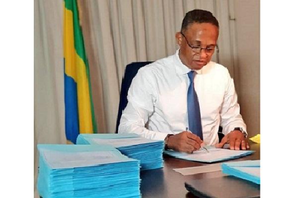 recrutement-de-nouveaux-diplomes-de-l-injs-dans-la-fonction-publique-gabonaise
