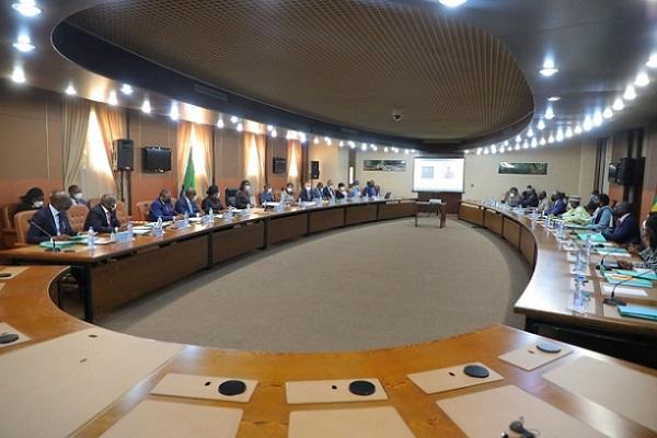 7e-commission-mixte-gabon-togo-victoire-tomegah-dogbe-le-pm-togolais-en-visite-de-travail-a-libreville