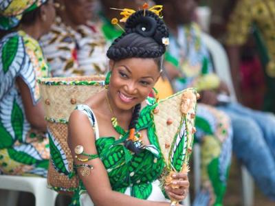 les-senateurs-gabonais-valident-la-legalisation-du-mariage-coutumier