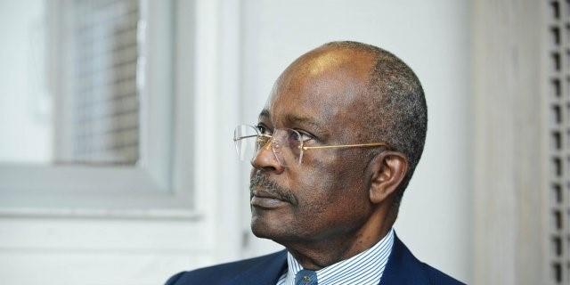 deces-ce-jour-a-paris-de-casimir-oye-mba-ancien-premier-ministre-gabonais-et-ancien-gouverneur-de-la-beac