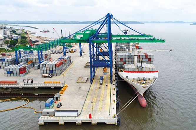 au-gabon-le-manque-de-containers-et-la-piraterie-pourraient-perturber-la-filiere-portuaire-au-4e-trimestre-2021