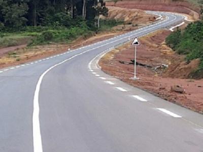 seulement-20-du-reseau-routier-du-gabon-estime-a-pres-de-10-000-km-est-en-etat