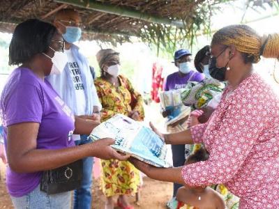 fondation-sylvia-bongo-30-000-moustiquaires-pour-les-populations-des-zones-les-plus-touchees-par-le-paludisme