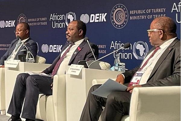 forum-turquie-afrique-le-gabon-expose-son-potentiel-agricole-minier-forestier-sa-filiere-industrie-animale