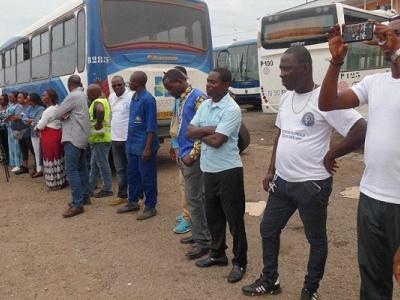 sogatra-les-employes-percoivent-2-mois-d-arrieres-de-salaires-comme-promis-par-le-ministre-des-transports