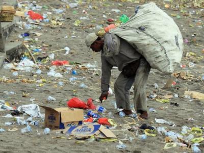 apres-l-interdiction-le-gouvernement-gabonais-adopte-un-projet-de-loi-contre-les-plastiques-polluants