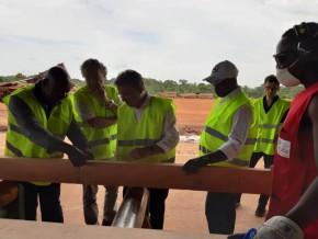 le-directeur-général-de-la-caisse-des-dépôts-et-consignations-visite-les-sites-de-rougier-au-gabon