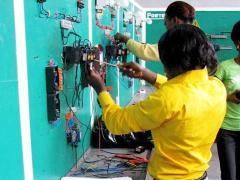 le-gabon-veut-rapprocher-le-monde-de-la-formation-professionnelle-de-celui-de-l-emploi