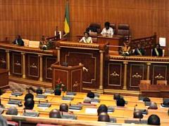 le-president-ali-bongo-ondimba-nomme-15-senateurs-dont-sept-femmes-titulaires
