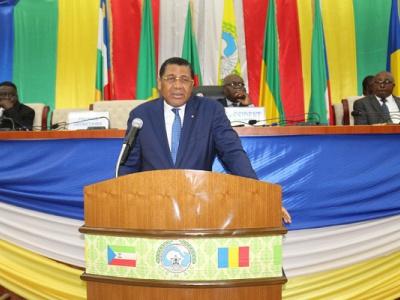 le-debat-sur-le-fcfa-est-desormais-mene-en-de-hauts-lieux-en-afrique-centrale-president-de-la-cemac