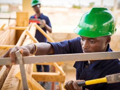 la-construction-de-deux-centres-de-formation-professionnelle-specialises-en-btp-et-tic-annoncee-au-gabon-en-2020