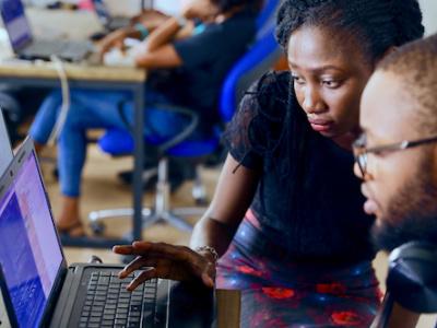 programme-startup-challenge-moov-africa-gabon-telecom-va-injecter-20-millions-de-fcfa-dans-3-startup-gabonaises