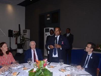 le-climat-des-affaires-au-centre-d-une-rencontre-entre-le-premier-ministre-et-la-communaute-francaise-des-affaires